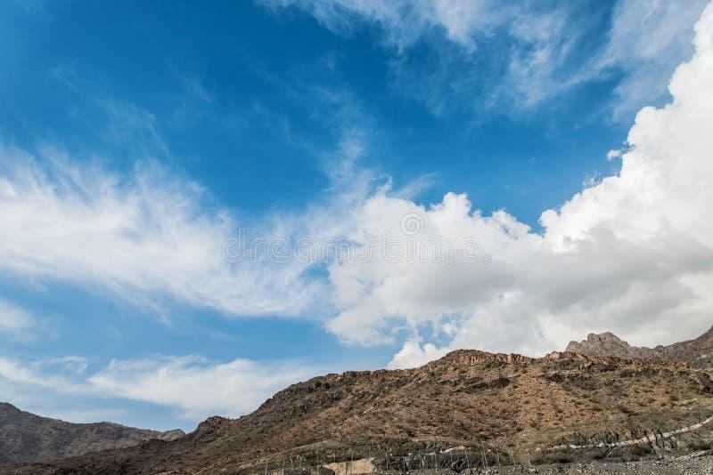 Moln på Al Hada Mountains i Saudiarabien royaltyfri fotografi