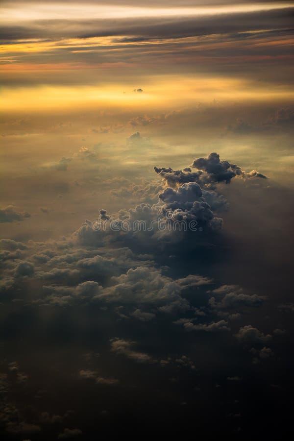 Moln på himlen arkivfoto