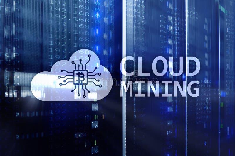 Molnberäkning, data eller cryptocurrency ( Bitcoin Ethereum) bryta i datorhall Serverrumbakgrund royaltyfri fotografi