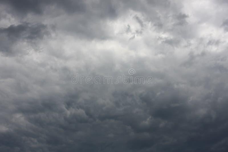molnig dramatisk sky arkivbilder