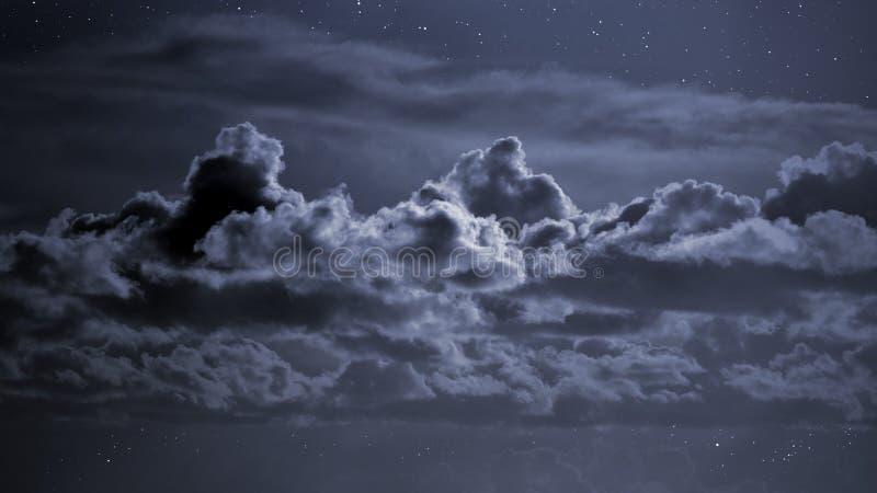 molnig nattsky fotografering för bildbyråer