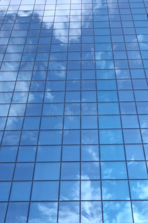 molnig reflexionssky arkivfoto