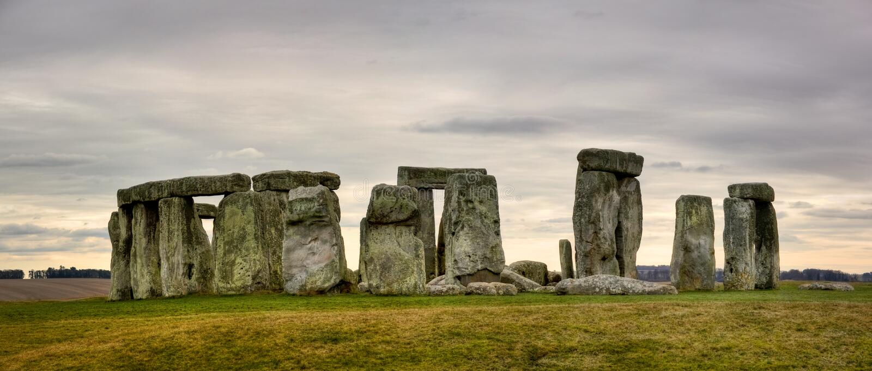 molnig stonehenge royaltyfria foton