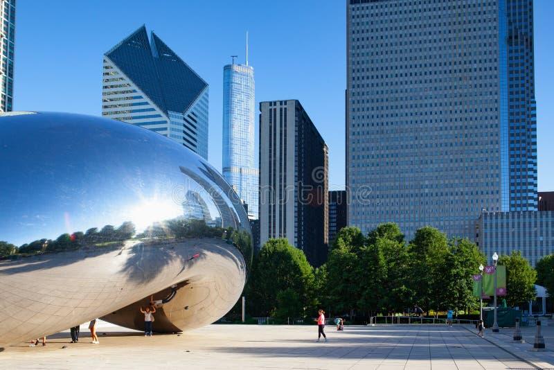 Molnport, den ber?mda offentliga skulpturen, Chicago, USA royaltyfria foton