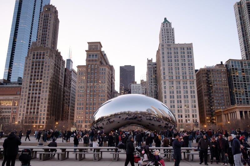 Molnport- och Chicago horisont i millenium parkerar, Chicago, Illinois, USA fotografering för bildbyråer