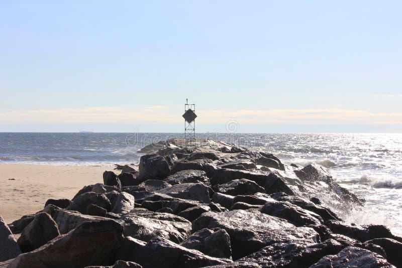 Molo della roccia su Sunny Day fotografia stock
