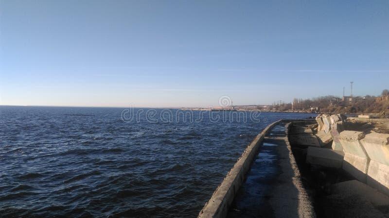 molo wzdłuż linii brzegowej Czarny morze obraz stock