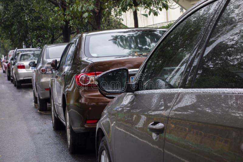 Molte automobili attaccate nel mezzo royalty illustrazione gratis