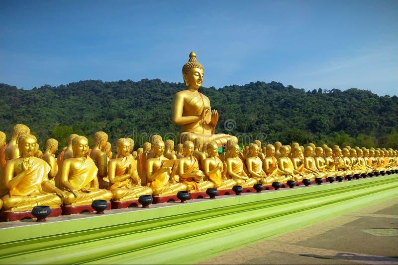 Molte belle immagini dorate di Buddha immagine stock libera da diritti