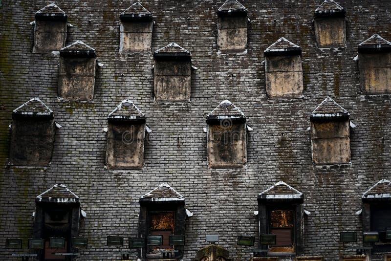 Finestre sul tetto elegant finestra di uscita per tetti piani with finestre sul tetto awesome - Finestra sul tetto ...