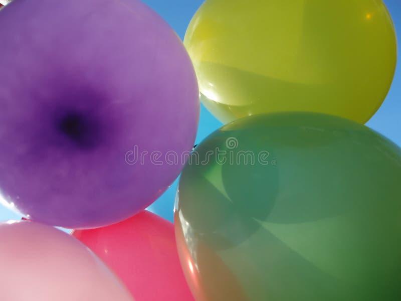 Download Molti aerostati colorati fotografia stock. Immagine di yellow - 202102