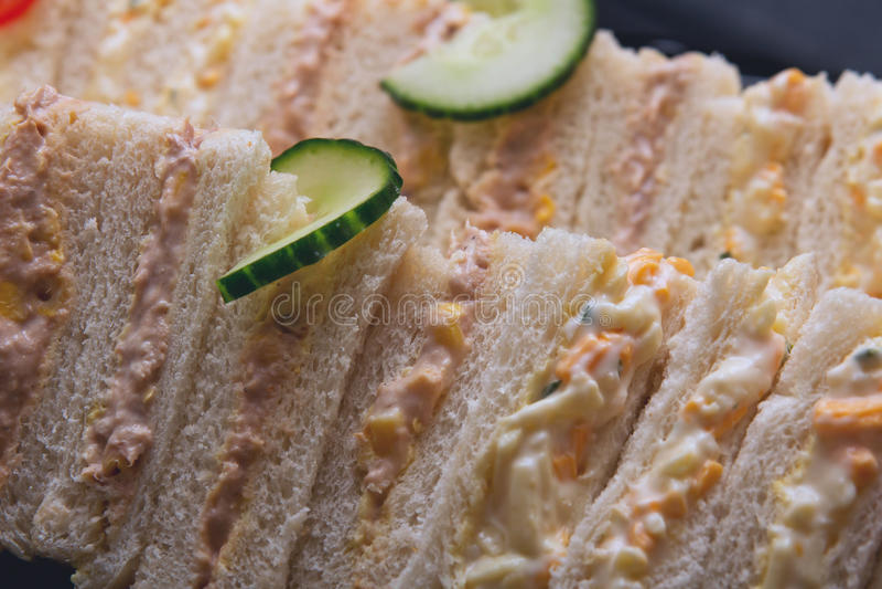 Molti panini con salsa fotografia stock