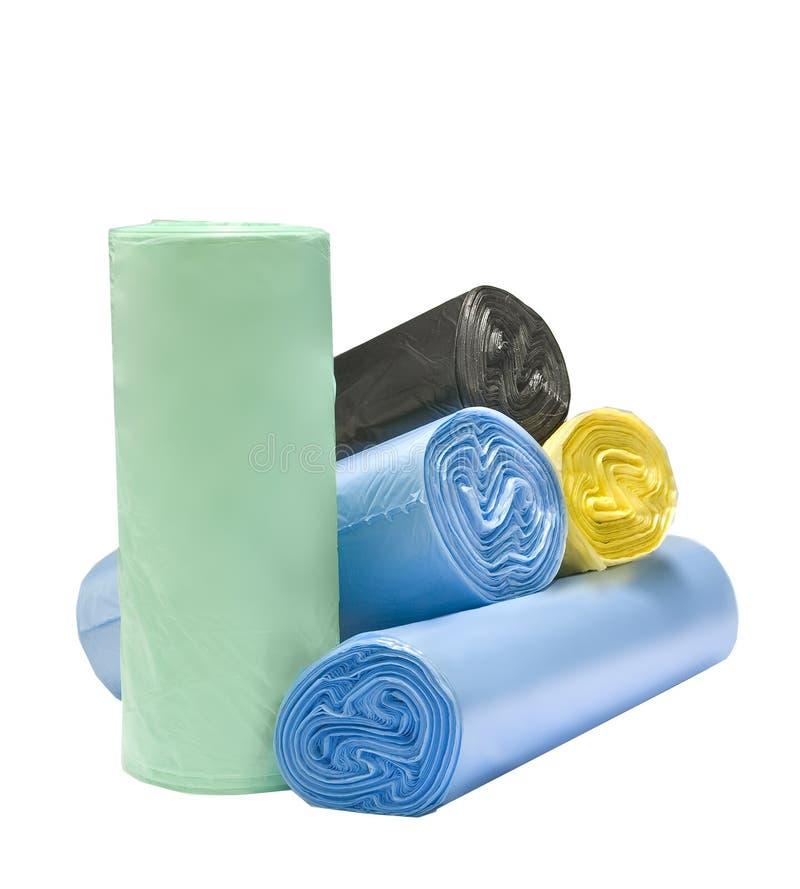 Molti sacchetti di immondizia colorati fotografie stock