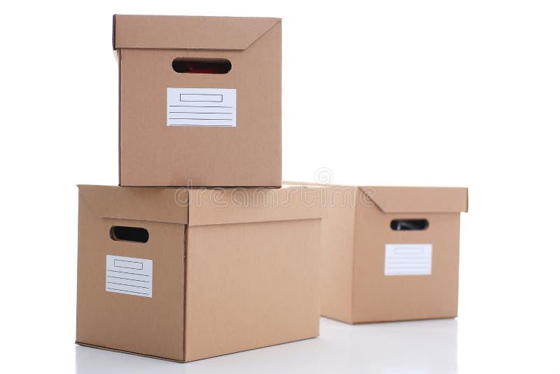 Molto contenitore di cartone di colore di Kraft fotografia stock