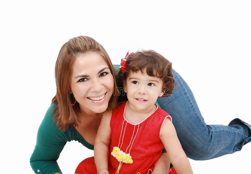 Mom που αγκαλιάζει με έναν μικρό στοκ φωτογραφία με δικαίωμα ελεύθερης χρήσης