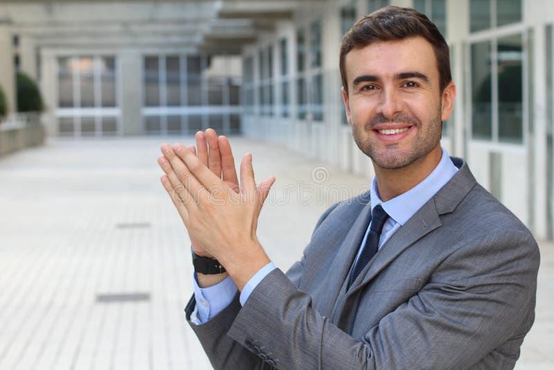 Moment des Erfolgs mit einem Ansehen von Ihrem Chef lizenzfreies stockbild