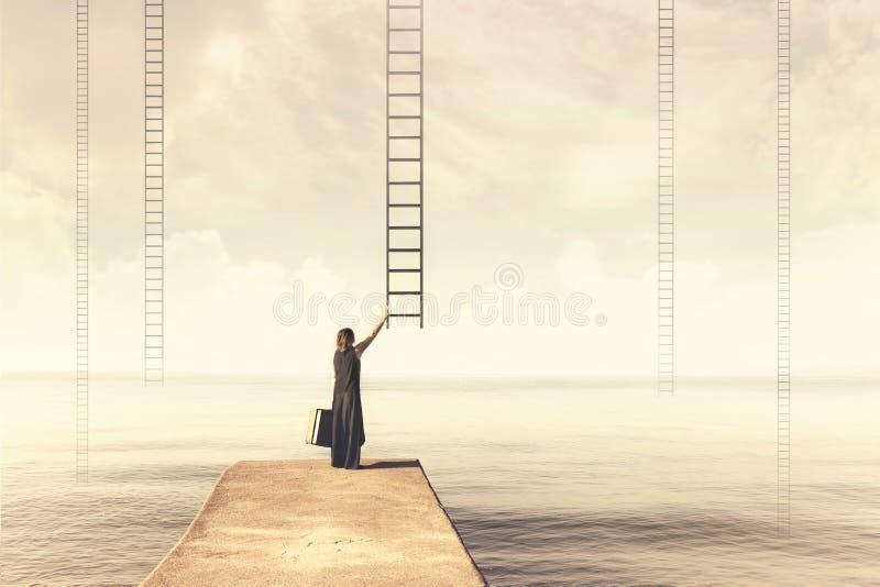 Moment surréaliste d'une femme qui doit choisir qui échelle imaginaire photo stock