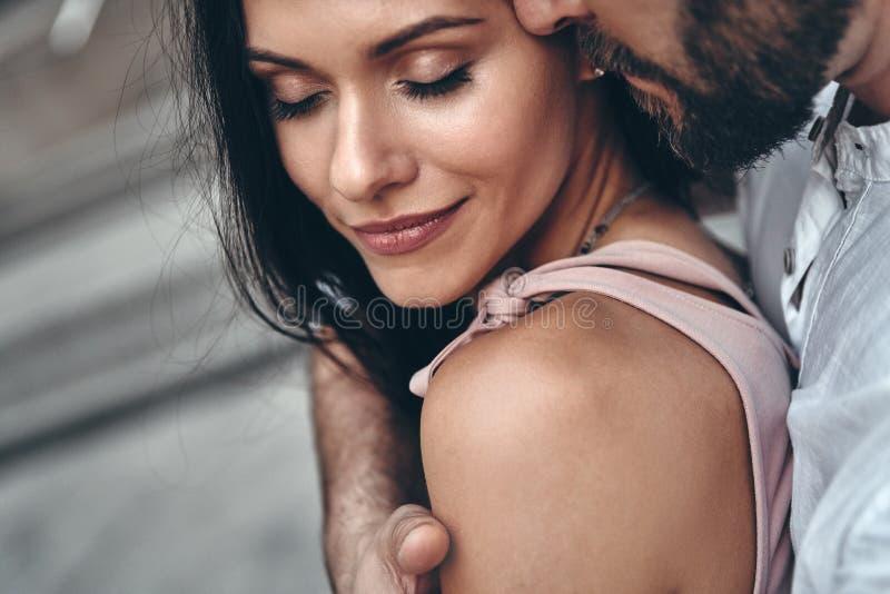 Momente der Intimität lizenzfreies stockfoto