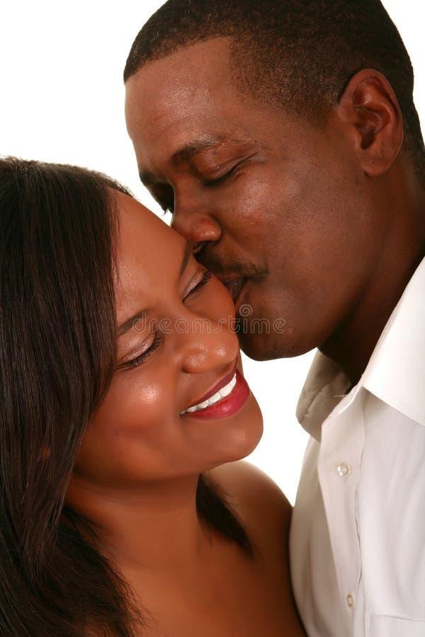 Momento romántico 2 de los pares del afroamericano imagenes de archivo