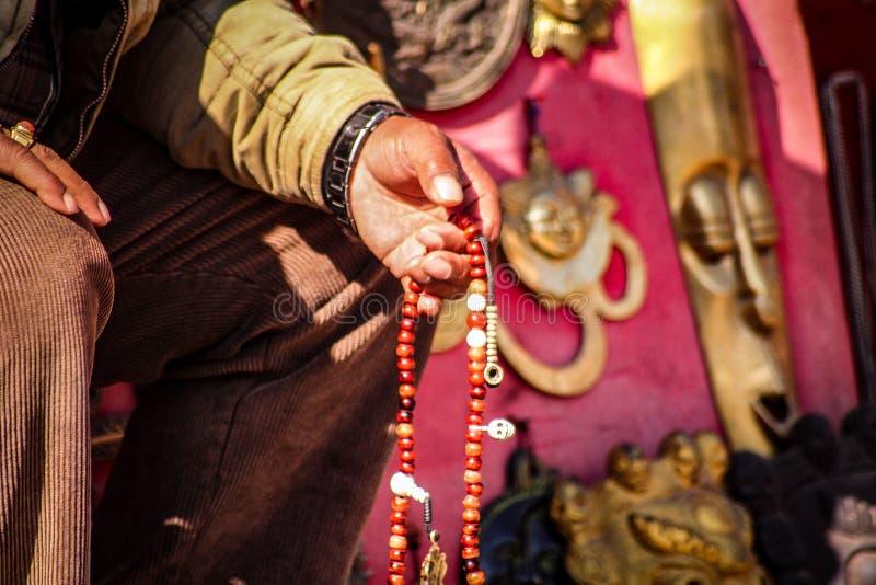 Momentos dos grânulos de oração imagens de stock royalty free