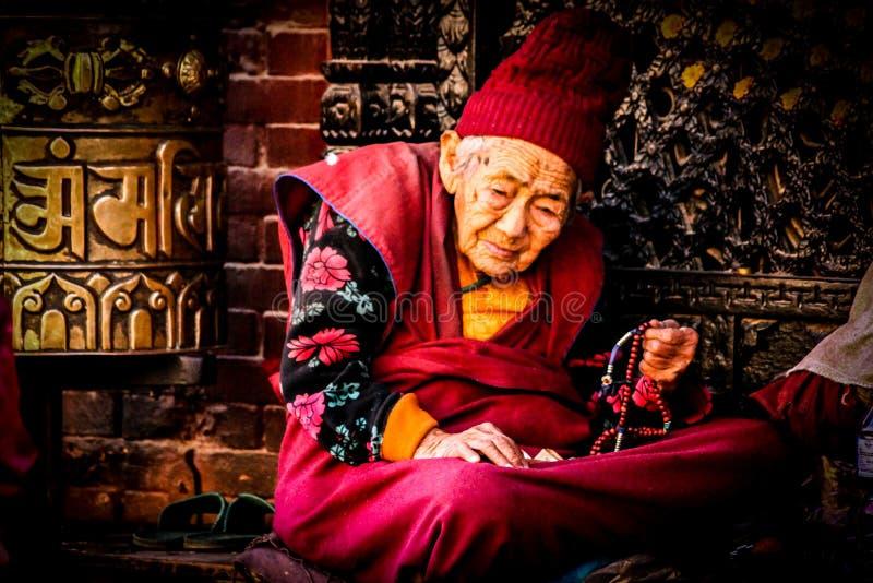 Moments de prière images stock