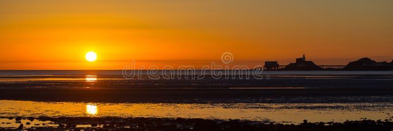 Mompelt zonsopgangpanorama stock fotografie