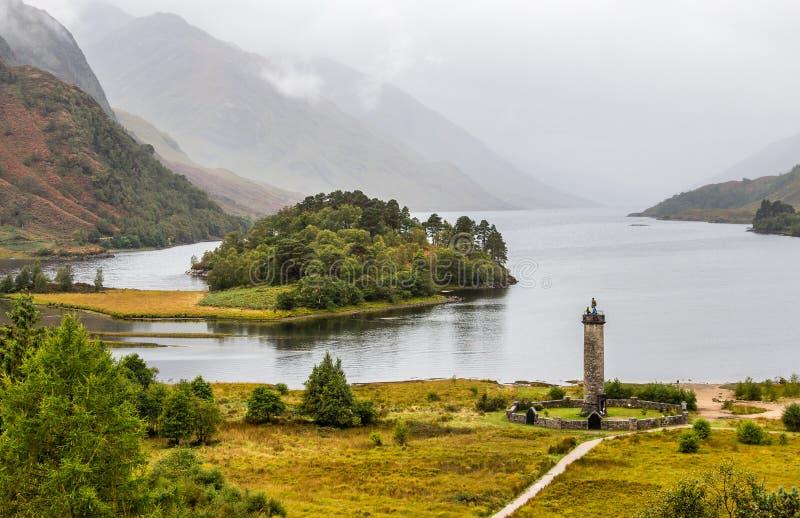 Momument de Glenfinnan e Loch Shiel, Escócia foto de stock