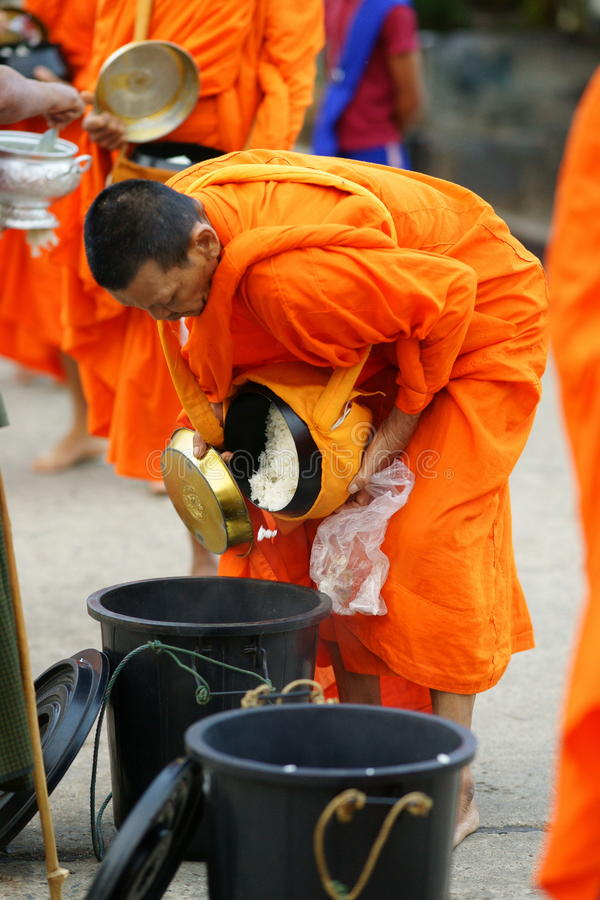 Free Mon Buddhist Monks Collecting Alms Stock Images - 14288184