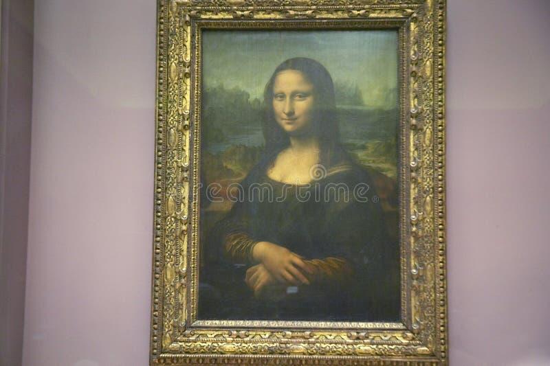 Mona Lisa av Leonardo Da Vince på Louvremuseet, Paris, Frankrike arkivbild