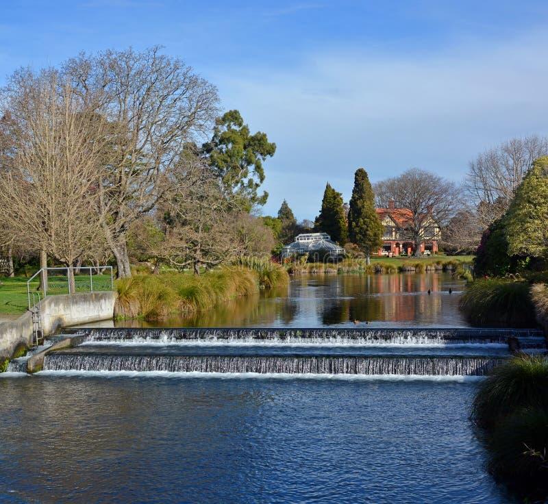 Mona Vale Homestead en de Rivier van Avon in de Lente, Christchurch, Nieuw Zeeland stock foto's