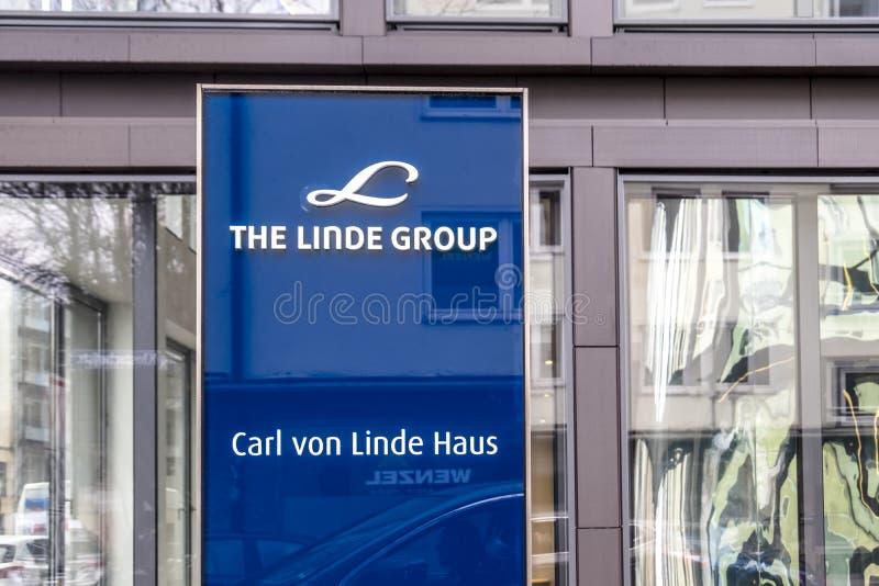 Monachium Niemcy, Luty, - 16 2018: Linde grupa jest światowym wiodącym dostawcą przemysłowy, proces, i specjalność obraz royalty free