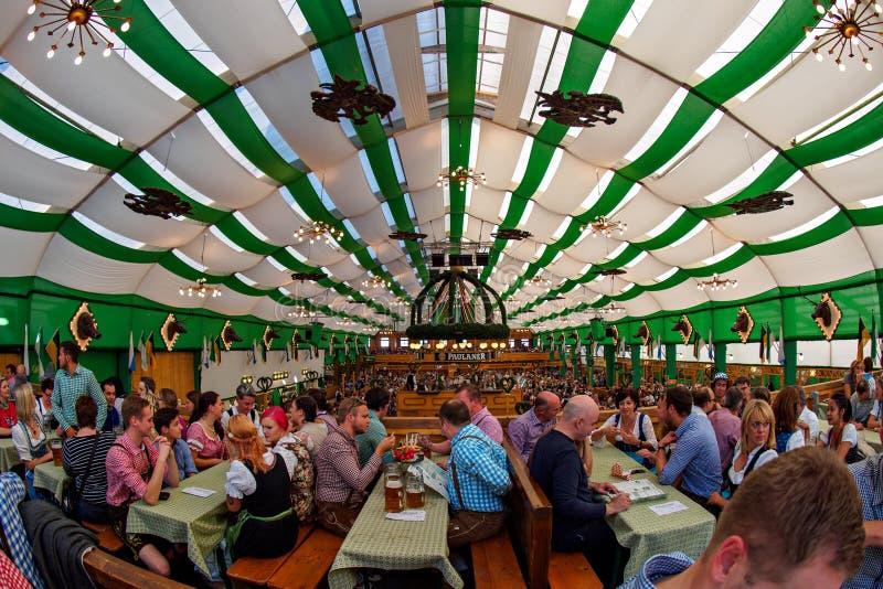 Monachium Niemcy, Wrzesień, - 21: Namiot na Oktoberfest na Wrześniu 21, 2015 w Monachium, Niemcy zdjęcie royalty free