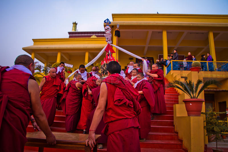 Monaci buddisti del monastero di Gyuto, Dharamshala, India immagine stock libera da diritti