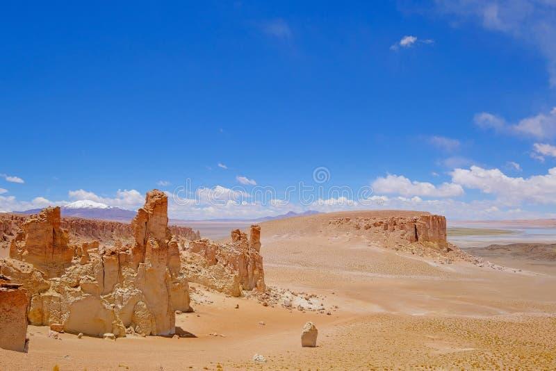 Monaci di Pacana di formazione di calcoli, Monjes De La Pacana, il calcolo indiano, vicino a Salar De Tara, riserva nazionale di  fotografie stock