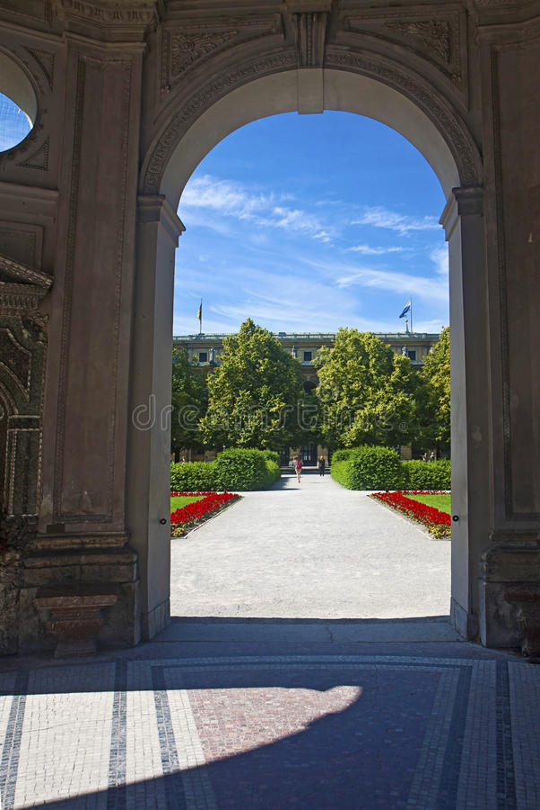 Monaco di Baviera, Germania - vista di Hofgarten dal pavillon rotondo immagine stock libera da diritti