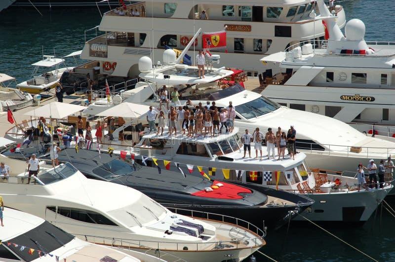 Monaco, espectadores durante o Prix grande 2009 fotos de stock