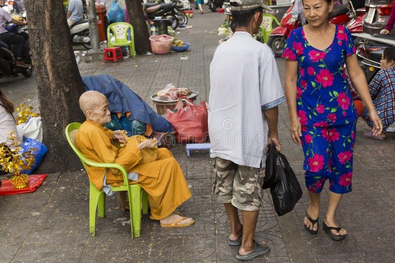 Monaco femminile anziano nella città di Ho Chi Minh fotografia stock libera da diritti