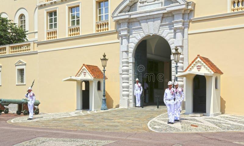 Monaco miasto Monaco, Czerwiec, - 13, 2014: Odmienianie strażnik obrazy royalty free
