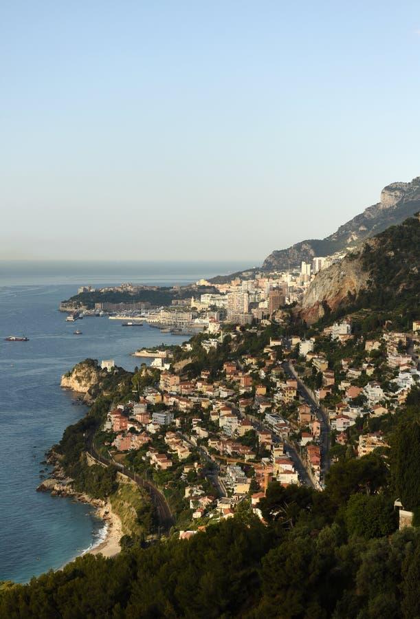 Monaco och Roquebrune-Lock-svala, Cote d'Azur av franska Riviera arkivfoto