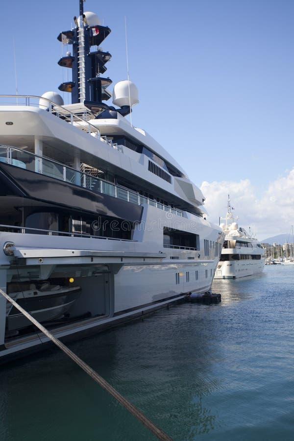 Monaco toppen yacht royaltyfria bilder