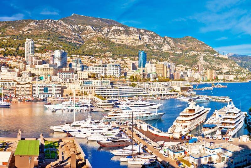 Monaco und bunter Panoramablick Monte Carlo Stadtbilds und Hafens stockfotografie
