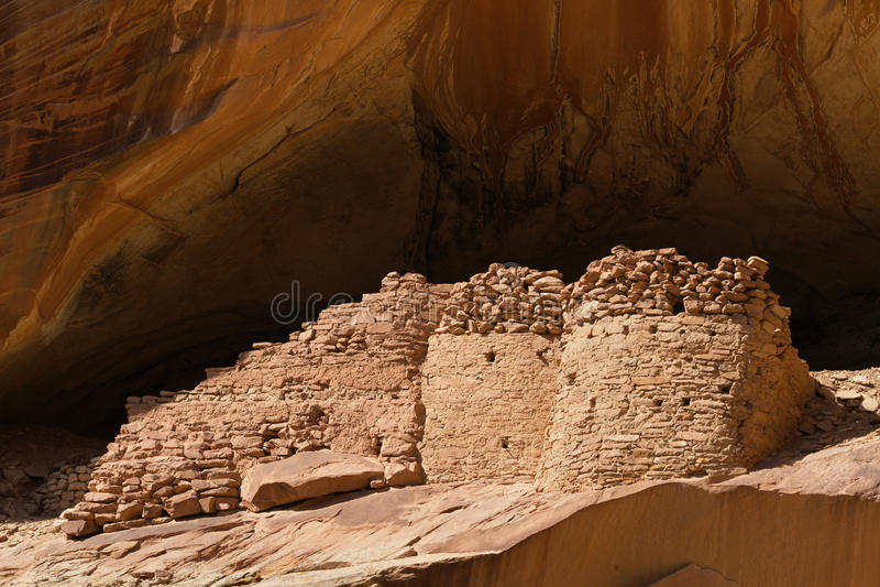 Monarch Cave Ruin. In Butler Wash, Comb Ridge, Utah stock photography