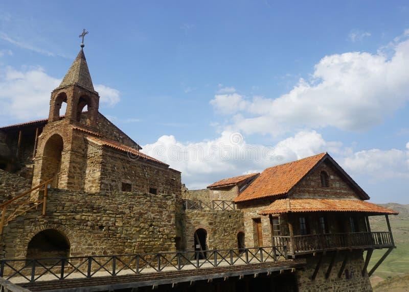 Monastère David Gareja Watchtower et chapelle photographie stock libre de droits