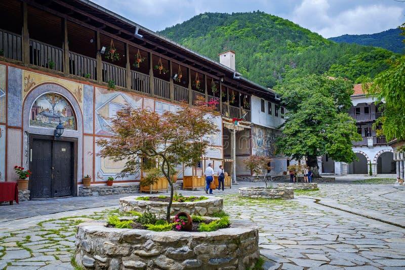 Monastère de Bachkovo dans les montagnes 1 photographie stock libre de droits
