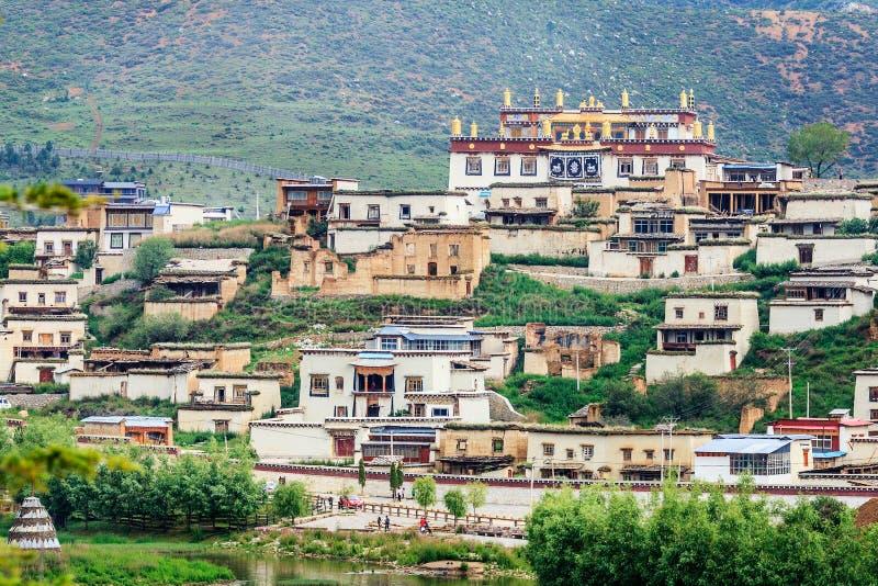 Monastère de bouddhisme tibétain photographie stock