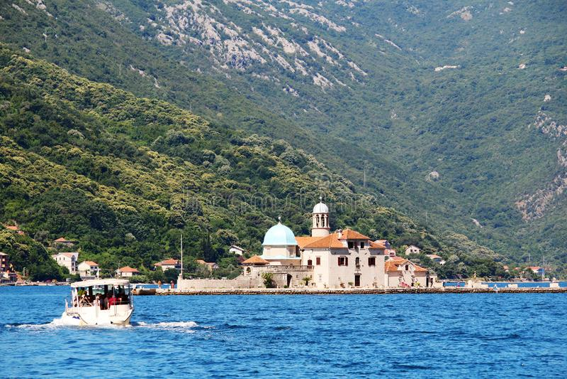 Monastère de George Benedictine de saint dans Perast, baie de Kotor, Monténégro photographie stock