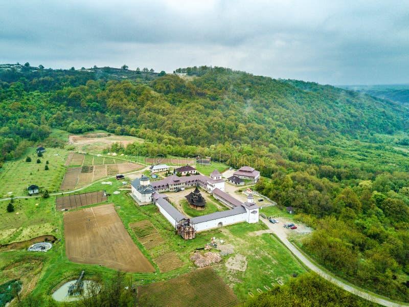 Monastère de Nera près des gorges de Nera, Banat, Roumanie images stock