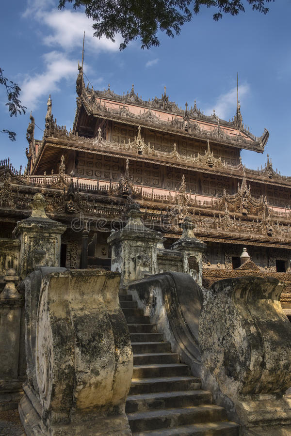 Monastère de Shwe Nandew - Amarapura- Myanmar photos libres de droits