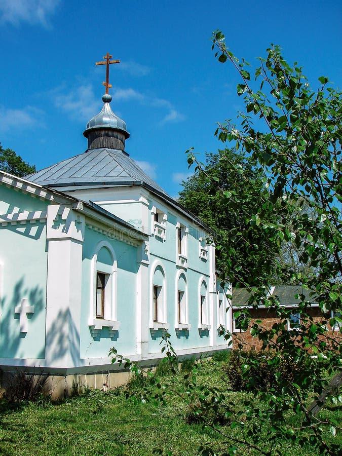 Monastère de St George dans la ville russe de la région de Meshchovsk Kaluga image libre de droits