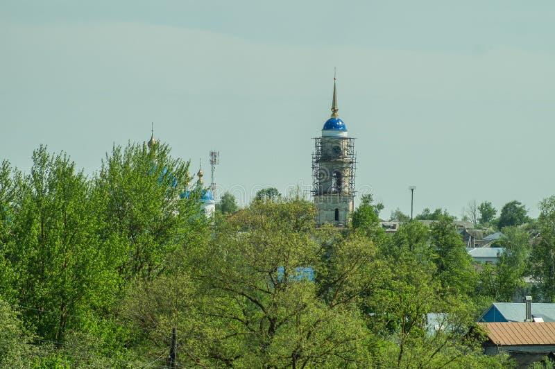 Monastère de St George dans la ville russe de la région de Meshchovsk Kaluga photos stock